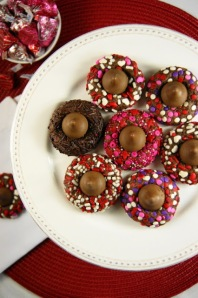 Chocolate Valentine Kiss Cookies_Platter Top View 2 (426x640)