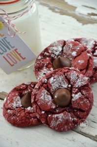 Red-Velvet-Cookies-7_thumb (424x640)